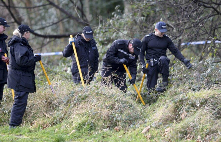 Police comb Sheffield park after