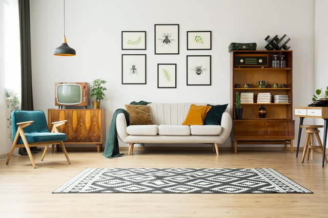 <p>These are some of the best rugs to make a statement in your living room</p>