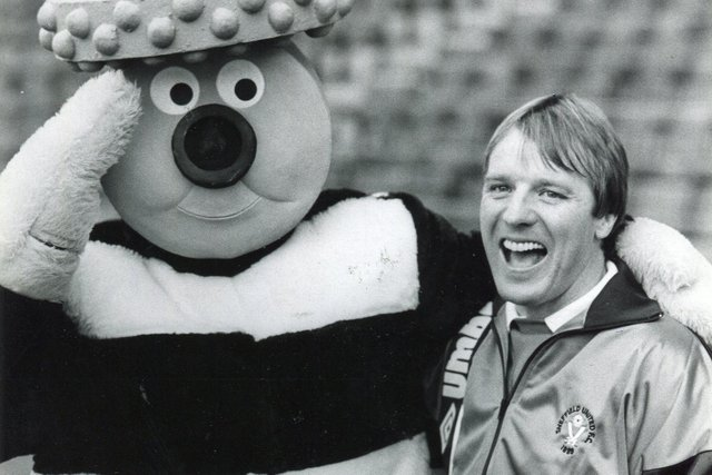 Manager of Sheffield United Dave Bassett pictured with Bertie Bassett, 1988