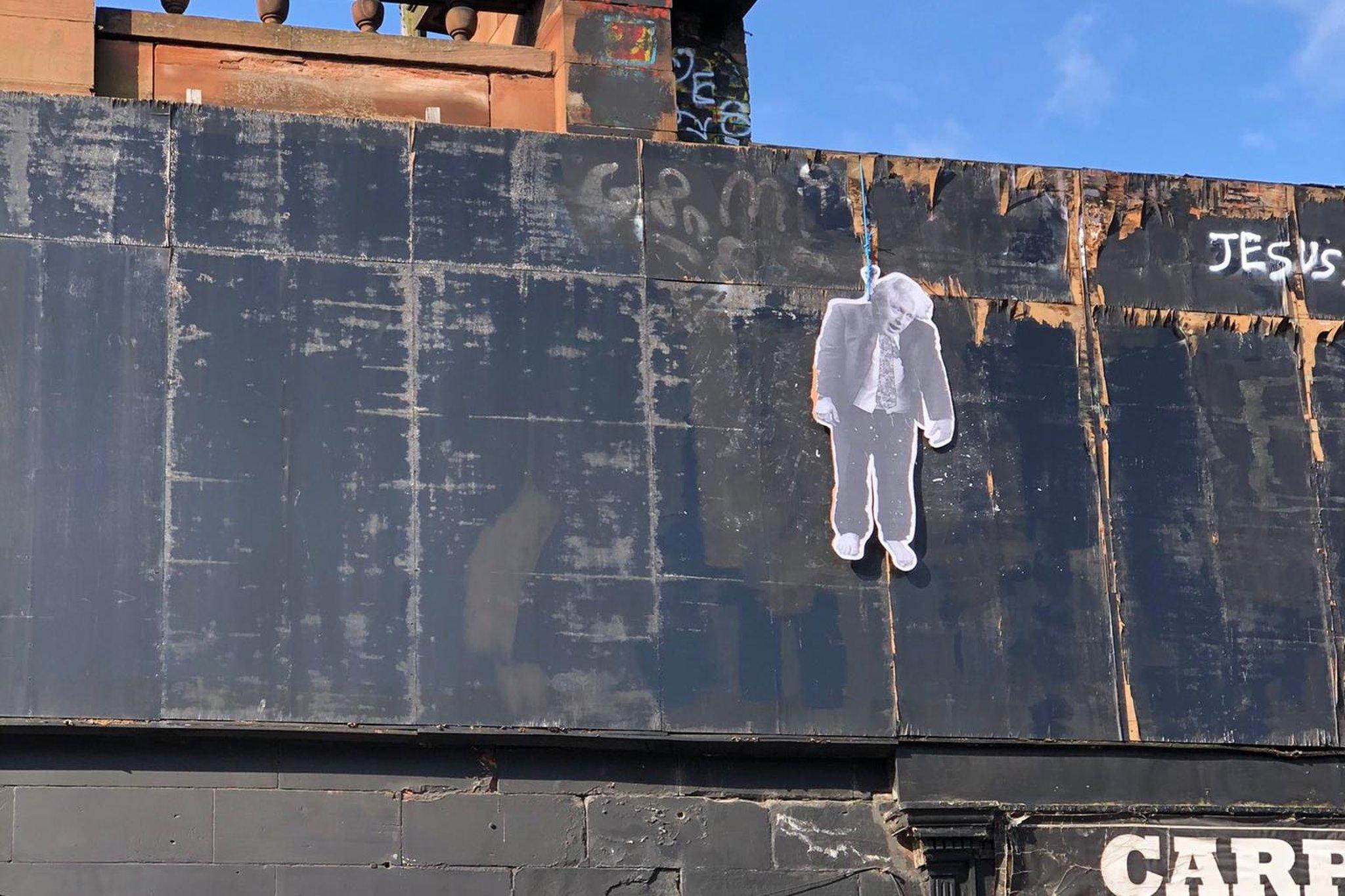 Edinburgh's council leader condemns 'unacceptable' Boris Johnson depiction on Leith Walk building
