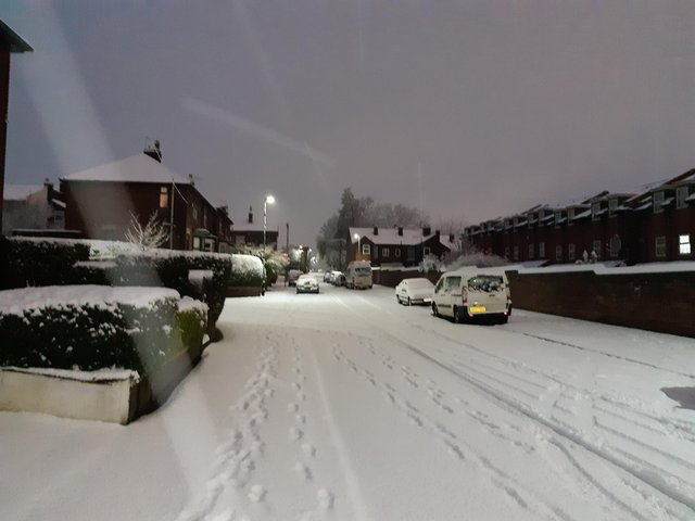 Snow in Heeley, Sheffield, this morning