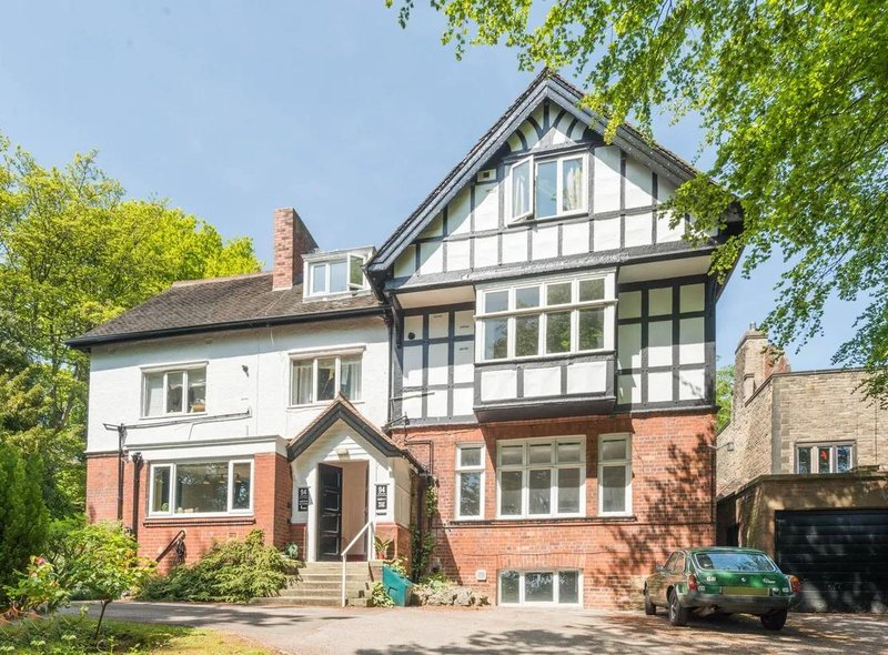 This one bed flat in Tapton Crescent Road, Crosspool, has a guide price of £190,000. For details visit https://www.zoopla.co.uk/for-sale/details/51434641/?search_identifier=f55f6b63763e1e904a8e6f2fab060f8a