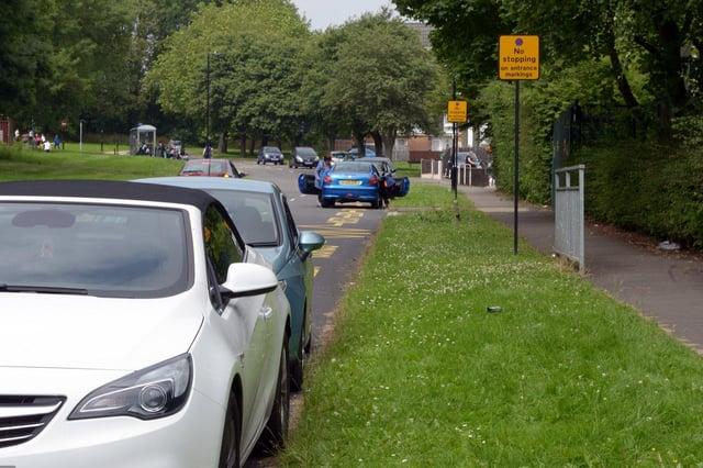 School parking causing emissions