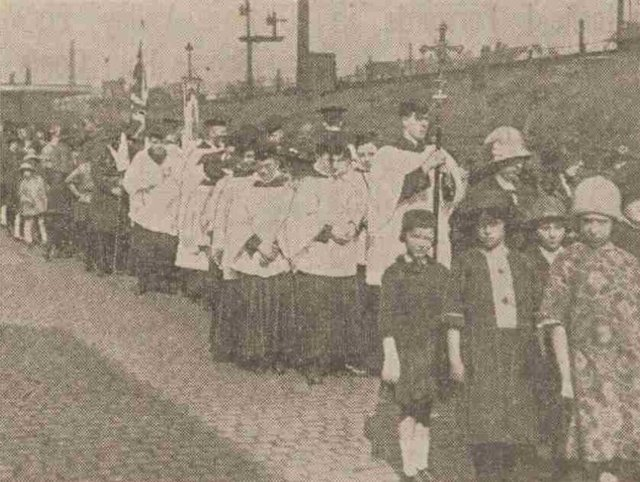 A procession from St Peter's Church to Heeley Parish Church where a joint resurrection service was held in April 1925.