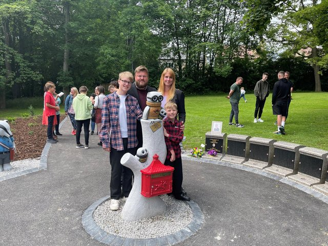 Daniel and Stacey Fleetwood with sonsOliver, 13, andCarter, 8..