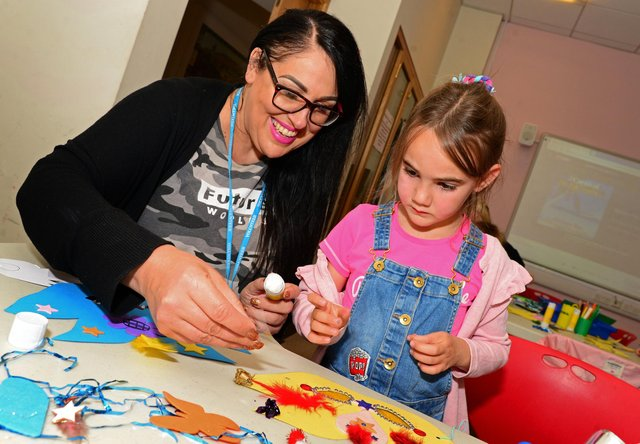 Lead artist Clare Jane Garrett, pictured with Chloe Mallett, six, at Weston Park Museum. Young and old enjoy Sheffield's museums