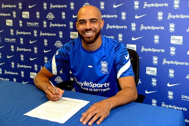 Former Gillingham winger Jordan Graham has signed for Championship Birmingham City.