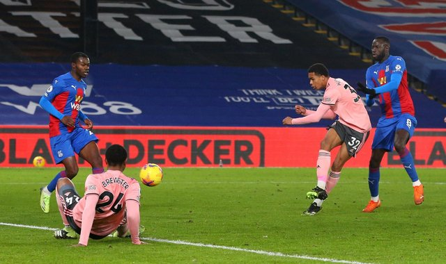 Antwoine Hackford takes a shot on goal after making his debut for Sheffield United at Crystal Palace: Paul Terry/Sportimage