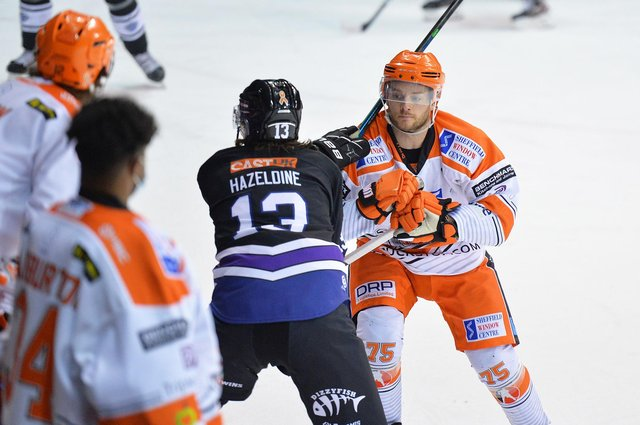 Robert Dowd playing for Steelers. pic by Dean Woolley