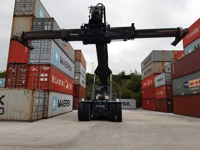 The site can store 1,000 containers.