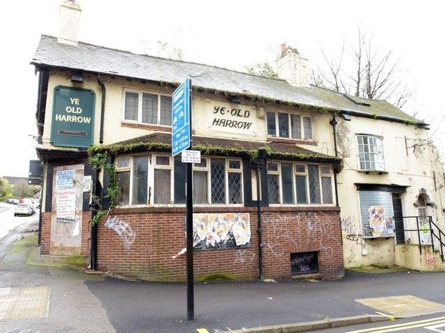Ye Old Harrow opened as a pub in 1822, before closing its doors for good in 2008.Since then, the pubhas been left to go to rack and ruin.