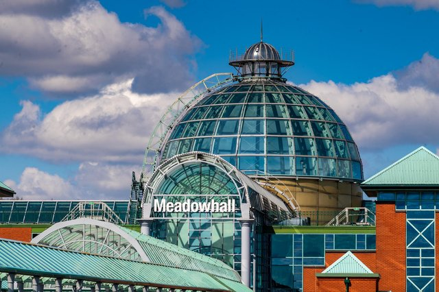 Date:12th April 2021.Picture James Hardisty.Members of the public return to Meadowhall shopping centre, Sheffield, as Hairdressers, pubs, restaurants, gyms and non-essential shops reopen today as England's lockdown eases.