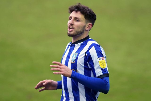 Former Sheffield Wednesday wing-back Matt Penney has signed for Ipswich Town.