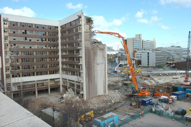 Dyson House is demolished in Sheaf Square,  opposite the Midland Station, 2006