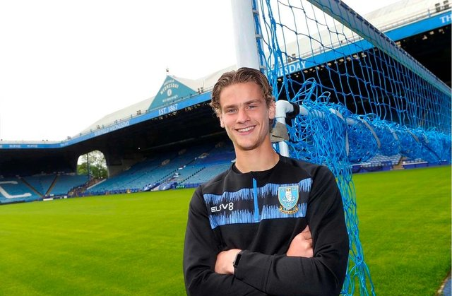 Josh Render has signed a new deal at Sheffield Wednesday. (via swfc.co.uk)