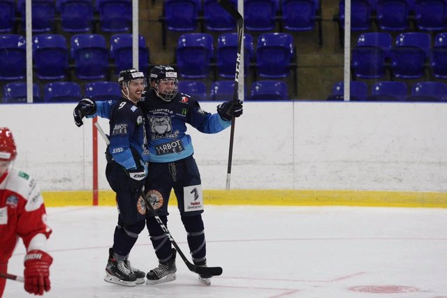 Ice hockey is back - pic by Cerys Molloy