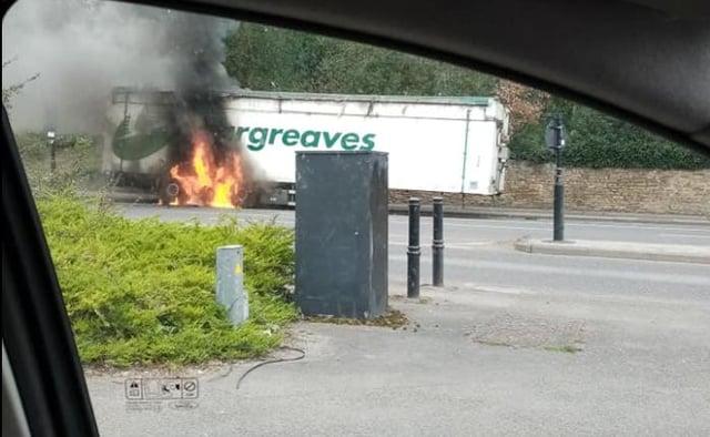 A lorry fire on Abbeydale Road, Sheffield (pic: Helen Singh)