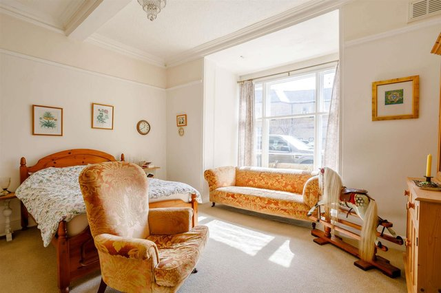 """Zoopla says the property has been """"beautifully transformed""""."""