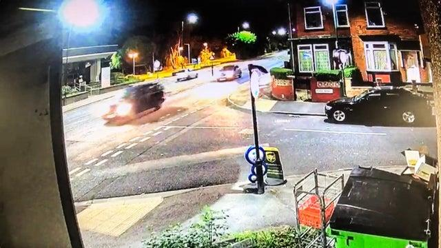 Police renew appeal to trace driver after Sheffield crash with cyclist