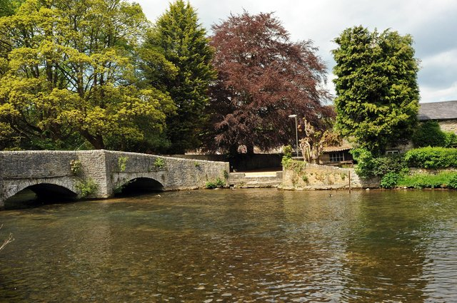 Ashford in the Water, on the River Wye, is home to the Grade II-listed Sheepwash Bridge.