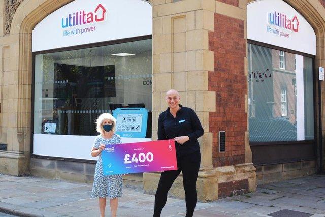 Utilita team completes 5k Challenge whilst carrying 55kg weights to raise valuable funds for local youth housing charity
