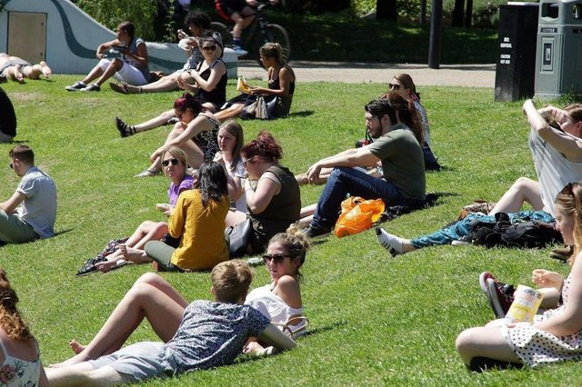 A heatwave has brought extremely warm weather to Sheffield over the weekend with lots of opportunities for sunbathing, but this is when it is set to cool down and rain is set to return to the city, according to the Met Office.