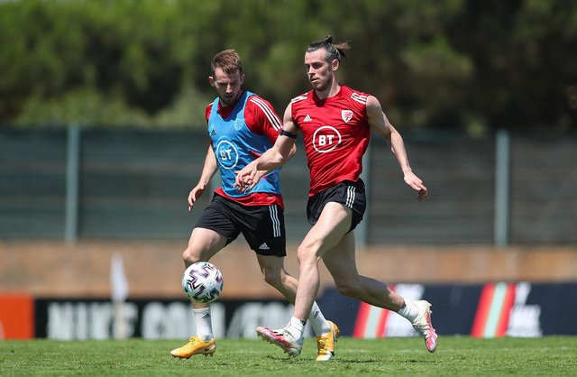 LAGOS, PORTUGAL - MAY 29: Gareth Bale and Rhys Norrington-Davies of Wales during a Wales Training Session on May 28, 2021 in Lagos, Portugal. (Photo by Fran Santiago/Getty Images)