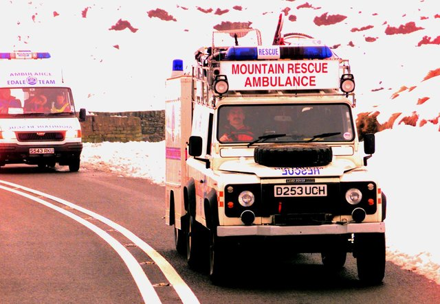 Rescue teams making their way back off the Snake Pass