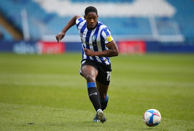 Sheffield Wednesday' Osaze Urhoghide has turned down offers from overseas in order to stay in the UK.