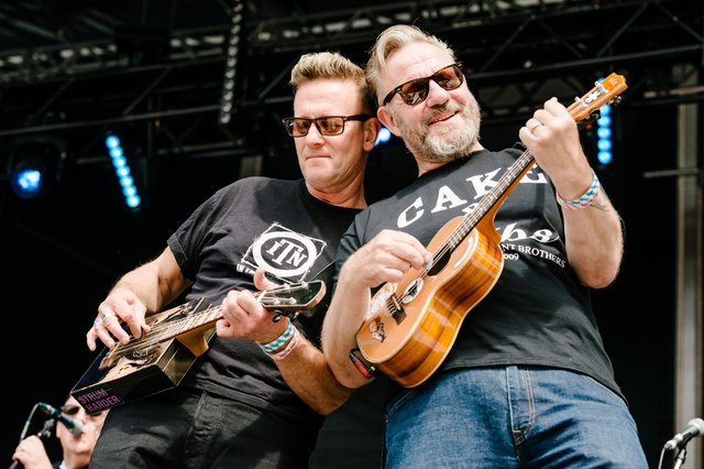Tramlines 2019, Everly Pregnant Brothers