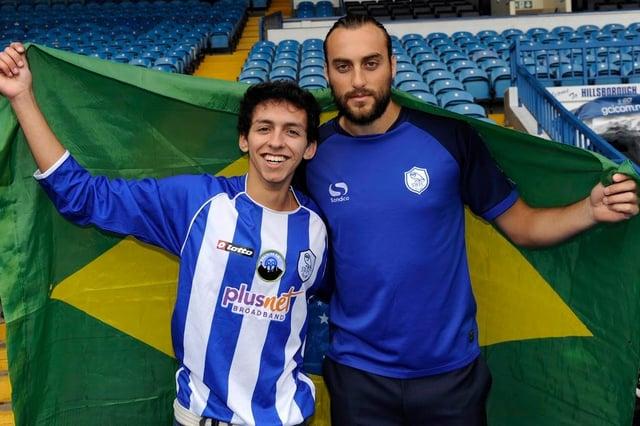 Rafa Marques conheceu o ex-atacante do Owls, Atdhe Nuhiu, em sua primeira viagem a Hillsborough.