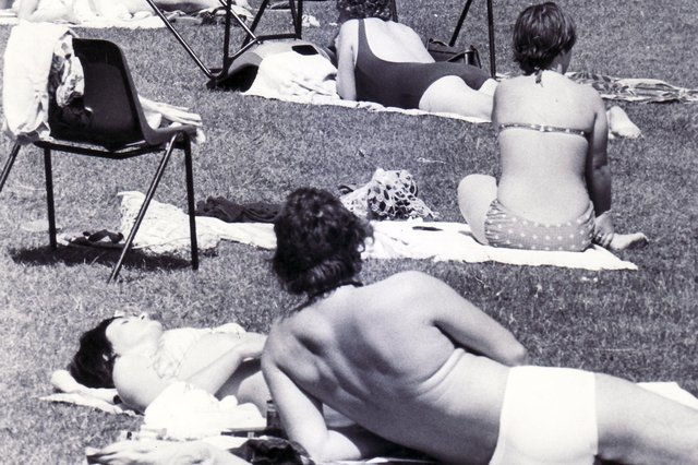 Do you recognise anyone from these pictures of Millhouses Lido? This one was taken in 1979.