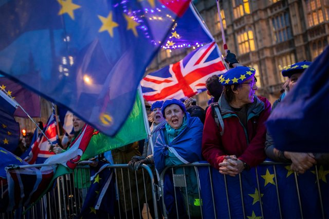 LONDON, ENGLAND - MARCH 13: Pro-Brexit protesters demonstrate outside the Houses of Parliament on March 13, 2019 in London, England. Last night MPs voted 242 to 391 against British Prime Minister Theresa May's Brexit deal in the second meaningful vote. They will now vote today on whether the UK should leave the EU without a deal. (Photo by Jack Taylor/Getty Images)