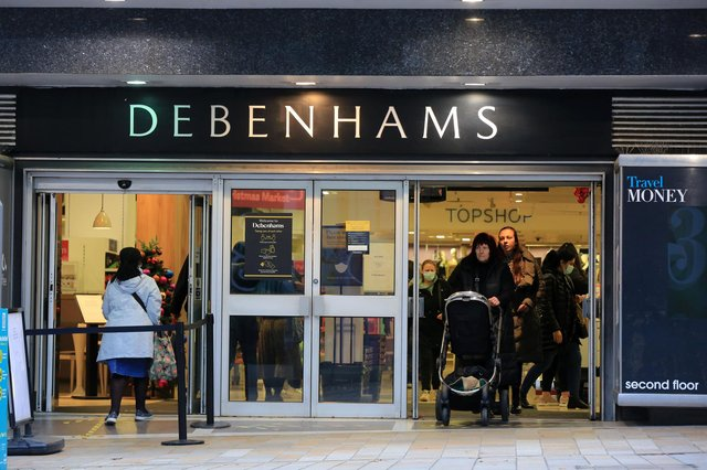 Sheffield enters tier 3 restrictions as the 2nd lockdown ends with shops reopening. Debenhams, The Moor. Picture: Chris Etchells