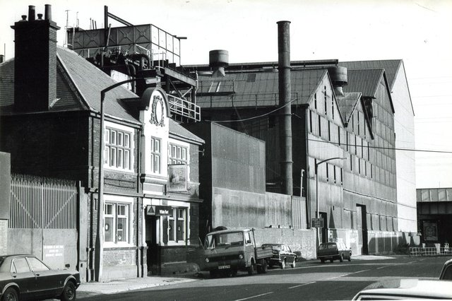The White Hart, Worksop Road, Attercliffe with Brown Bayley Steels to the right, 1981
